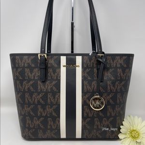Michael Kors JST Medium Carryall Tote